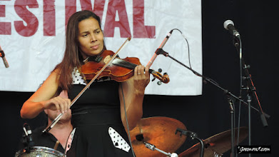 Photo: Violin time, Rhiannon Giddens on my second-most favourite instrument