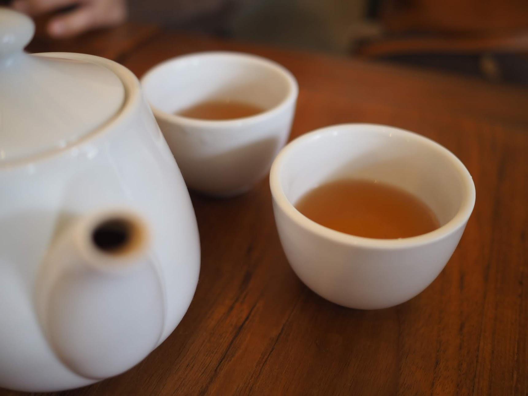 ランチのウーロン茶