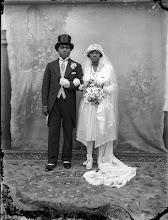 Photo: J.K. Bruce Vanderpuije (Ghana), Wedding photograph, photo de mariage (1930-1940) © J.K. Bruce Vanderpuije