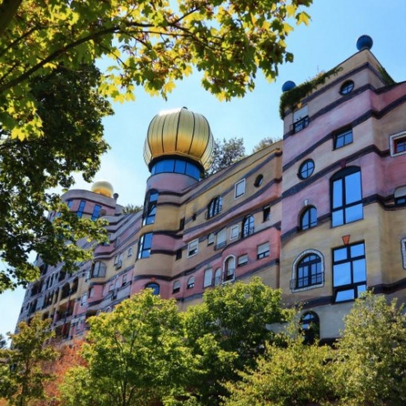 【世界のお城】まるでメルヘンの世界から飛び出してきた奇抜な城!フンデルトヴァッサー設計の集合住宅「ヴァルトシュピラーレ」