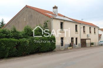 maison à Saint-Sauveur (70)