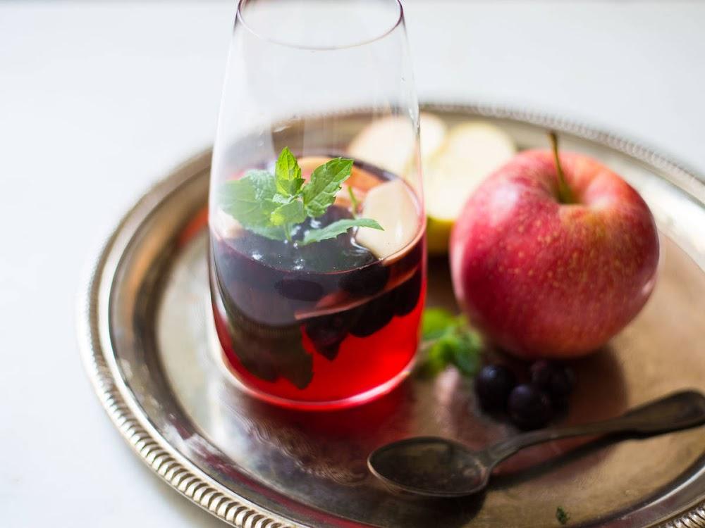 post-diwali-detox-drinks_-_Radient_Lemonade