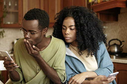 Trying to keep incriminating messages from your partner is one of the risks of living a double life. /123RF
