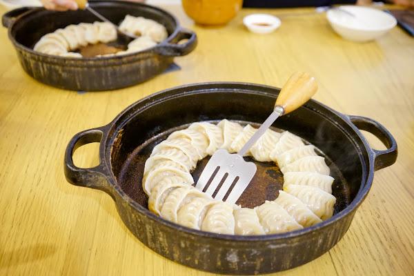 角鑄 五妃街鐵鍋燒餃子、日式炒麵、明太子起士蛋捲