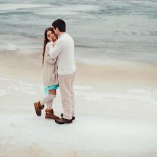 Wedding photographer Oksana Novosadova (Oks-FOX). Photo of 12.02.2014
