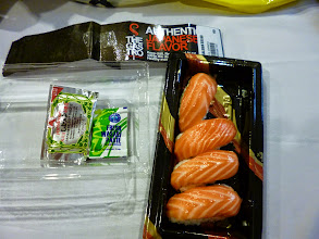 Photo: Tempting. Salmon sushi, a bit expensive with the price tag of 99 TBH (3 USD / 200 INR) I found in a Villa Market supermarket on Soi 11. Although the serving temperature seemed too chilled to me, I enjoyed the melting flavour. We can find many Japanese restaurants and groceries in Bangkok. 1st October updated (日本語はこちら) -http://jp.asksiddhi.in/daily_detail.php?id=661