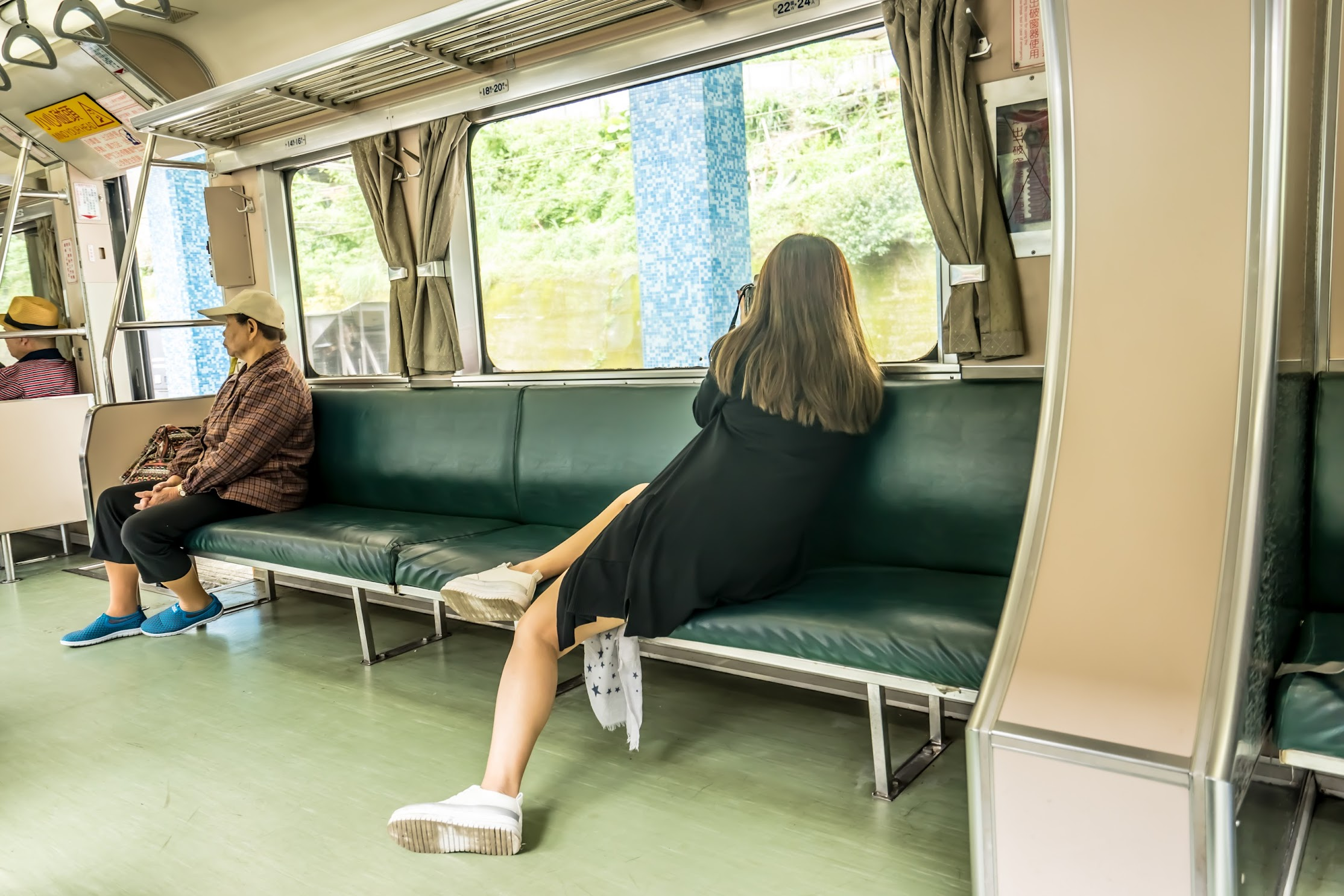 台湾 平渓線 車内2