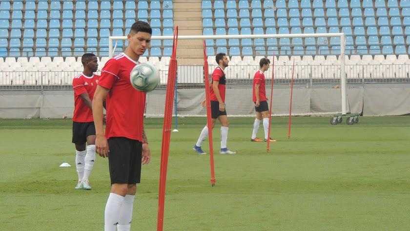Darwin Núñez en el Estadio de los Juegos Mediterráneos.