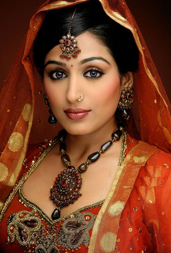 indian girl 6jl60i0.jpg Mixd -  http://henku.info
