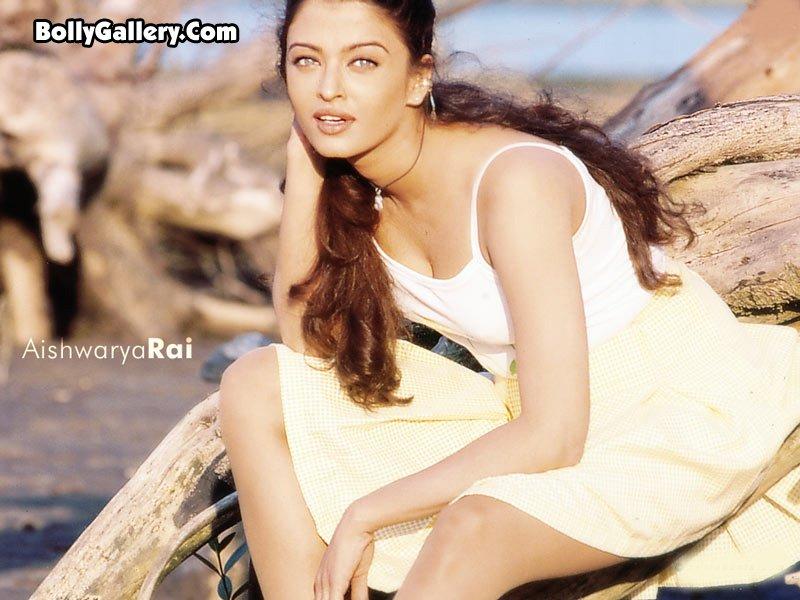 Beautiful Indian girl Ash Aishwarya Rai_569.jpg Ash -  http://henku.info
