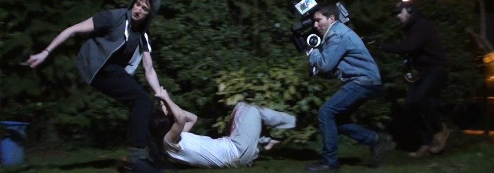 Estelle COURRET et Nicolas LANCELIN en tournage : Une Soirée Tranquille. Régleur cascades et chorégraphe de combat : Alexis DIENNA. Escrime Cascade : https://www.escrimecascade.com/