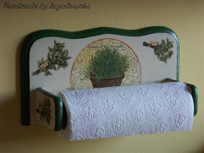 Photo: wooden KITCHEN PAPER ROLLER