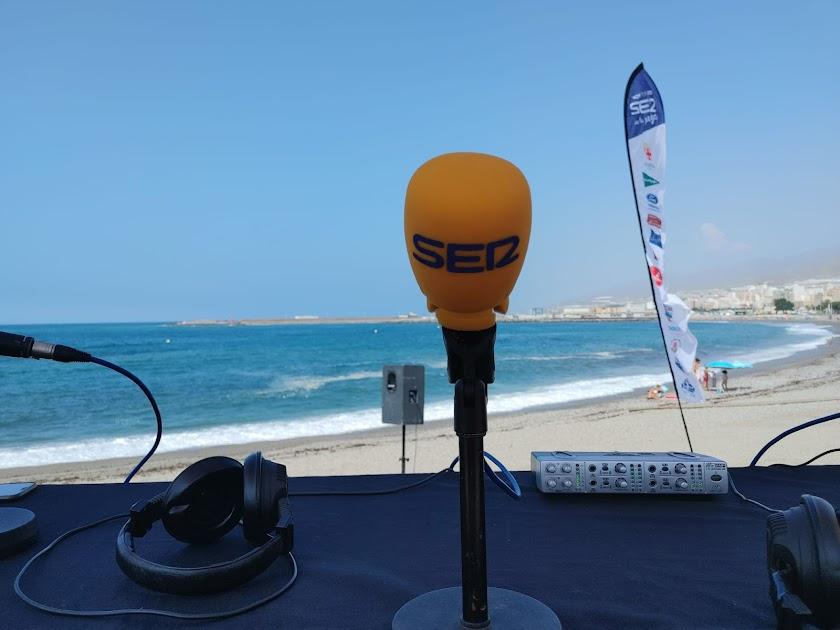La SER llega esta semana a la playa de Adra