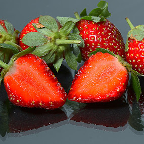 strawberry on plate glass by Ismed  Hasibuan  - Food & Drink Fruits & Vegetables ( fresh, food, fruits, glass, plate, strawberry )