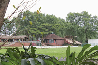 Photo: AH Smith Oval looking from far boundary towards the Memorial Cricket Pavilion, Coffee Shop and CO Medworth Stand