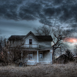 Fading Red Sky by Eric Demattos - Buildings & Architecture Decaying & Abandoned ( farm, lost, eric demattos, house, collins, forgotten, historic, abandoned )
