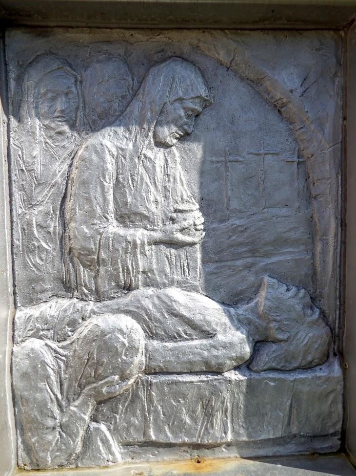 Ajka - Csingervölgyi Boldog IV. Károly király kápolna a keresztúttal