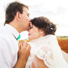 Wedding photographer Ekaterina Filatova (EkaChe). Photo of 08.01.2015