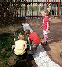 Photo: zalévání kytek - watering the flowers