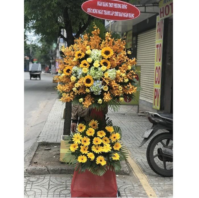 Hoa khai trương màu vàng biểu thị vạn sự khởi đầu nan