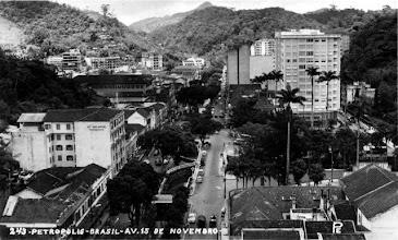 Photo: Vista aérea da Rua do Imperador ainda sem o Obelisco. Foto da década de 40