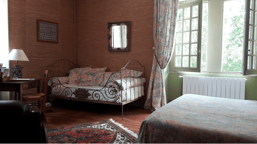 family-guest-room-at-the-french-bed-and-breakfast-le-clos-de-la-garenne-between-la-rochelle-rochefort-and-niort