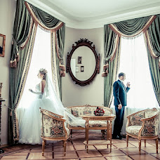 Wedding photographer Mikhail Starikov (MSTAR). Photo of 11.03.2013