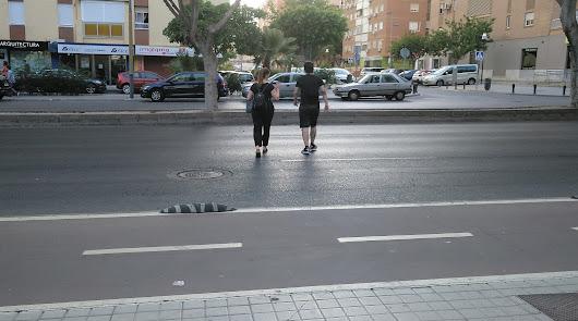 Quejas por la falta de un paso de peatones