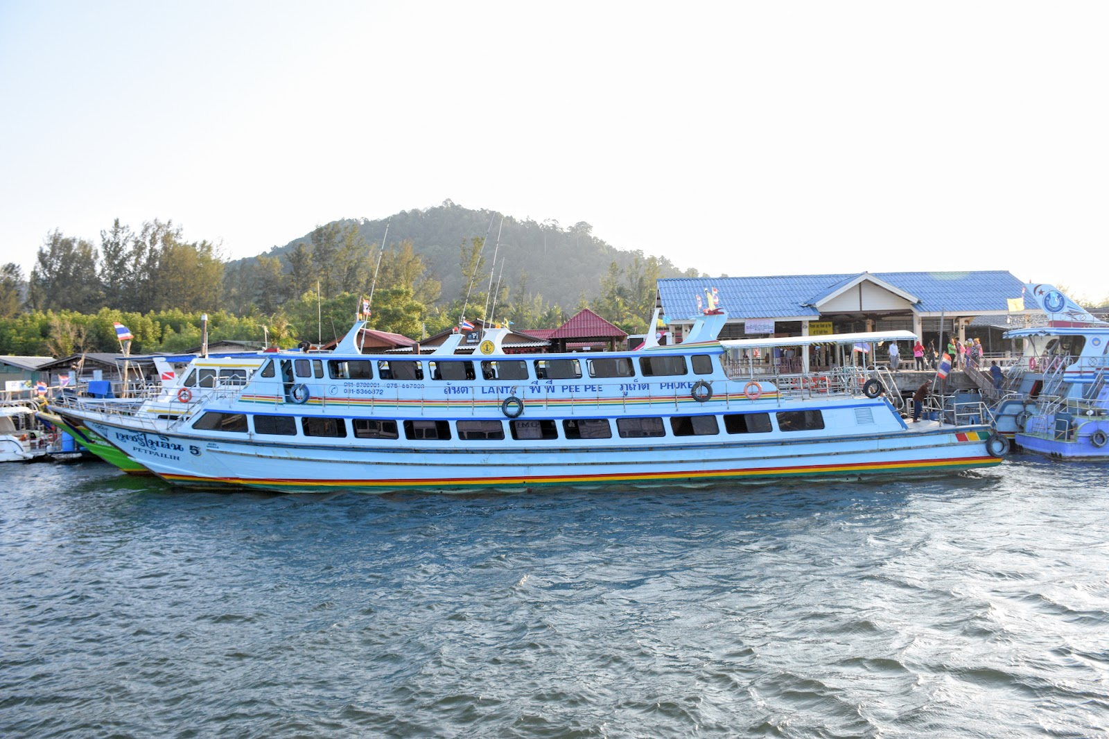 Travel from Koh Ngai directly to Koh Lanta by Express Boat