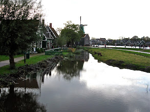Photo: The canal had been mucked out fairly recently, as you can see from the mud piles and reeds and such on the left.