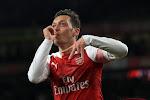 """Oud Engels international legt uit waarom Özil niet aan spelen komt: """"Arsenal moet eerlijk zijn met hem"""""""