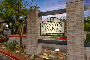 Go to Canyon Oaks Apartments website