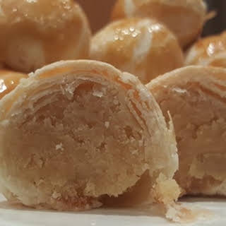 Bean-filled Chinese Biscuits (Tau Sar Piah).