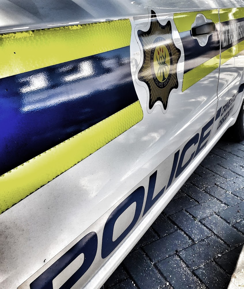 PE kontant-deurgangswag stap in op roof - HeraldLIVE