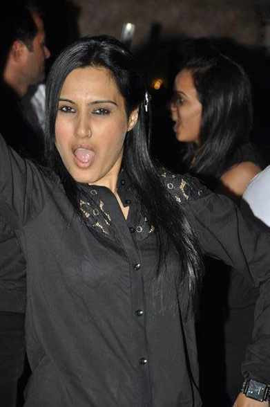 Kamya Punjabi hot, Kamya Punjabi sexy, Kamya Punjabi hot pics