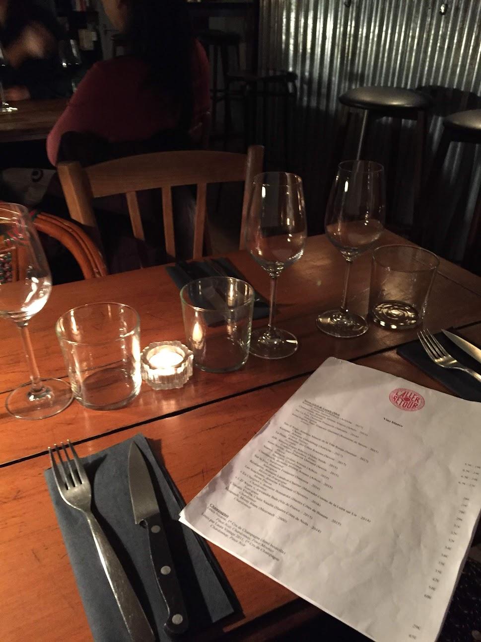L'aller Retour Steak コートドブッフ パリ ビストロ レストラン フランス料理 ラバロック 店内