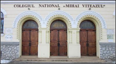 Photo: Str. Dr. Ioan Ratiu, Nr.111 - Colegiul Mihai Viteazul, detaliu  in exterior - 2017.01.26