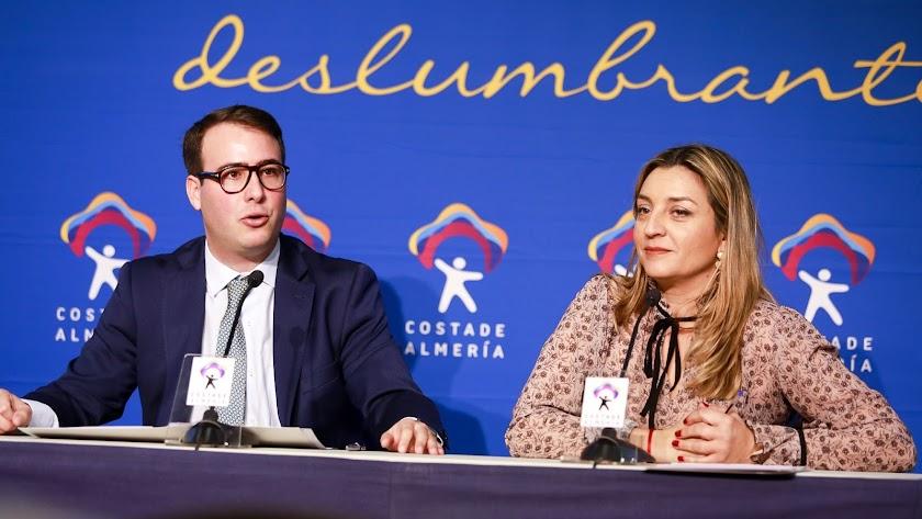 Fernando Giménez y Mª del Mar López Asensio, diputados de Turismo y Agricultura.