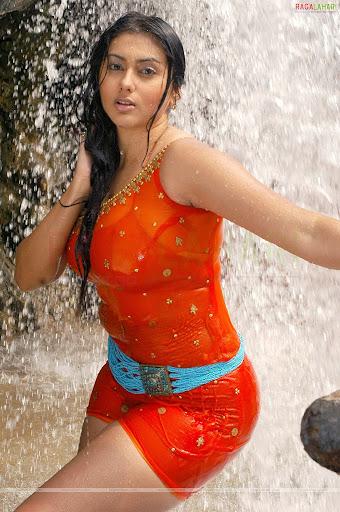 الممثله الهنديه Namitha