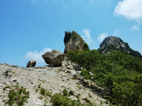 Photo: Η Ανεμοπύλα όπως φαίνεται από τη νότια πλευρά.