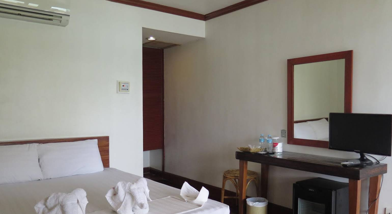 El Nido Beach Hotel