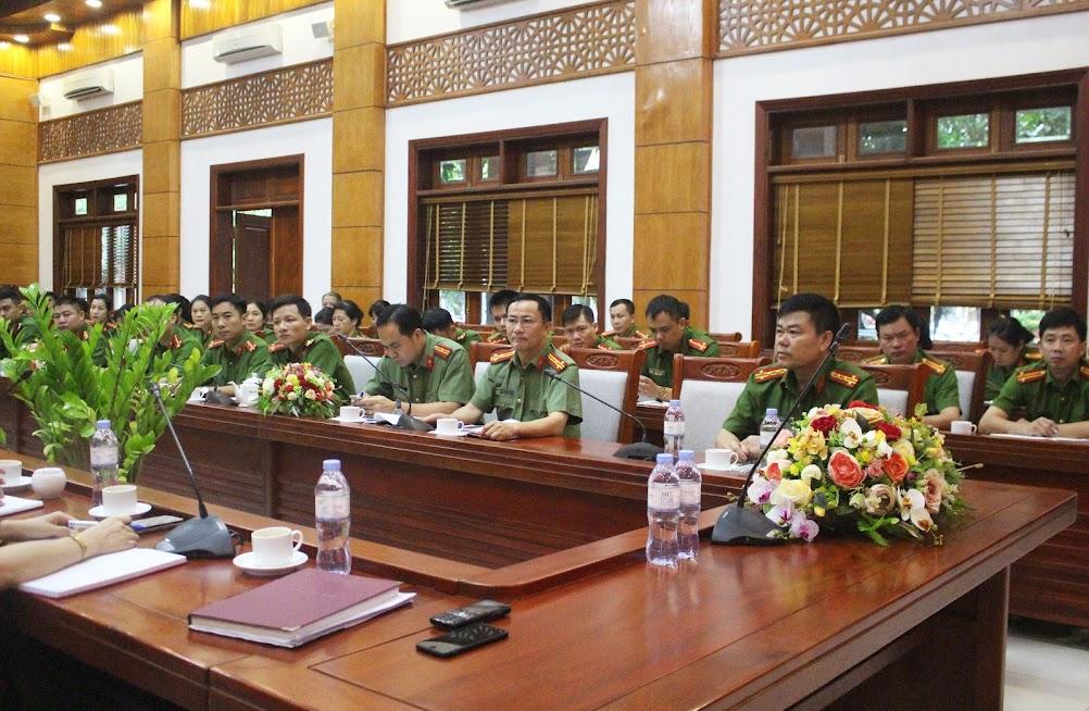 Các đại biểu tham dự Hội nghị.