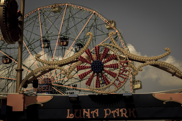Coney Island... mon amour di BlackPuffin