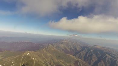 Photo: Сопот, 21.10. - високо над земята и ниско под облаците. Поглед на изток към централното било с поредицата върхове - Амбарица, Купена, Жълтец и Ботев.