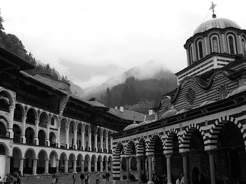 Monastero di climbs