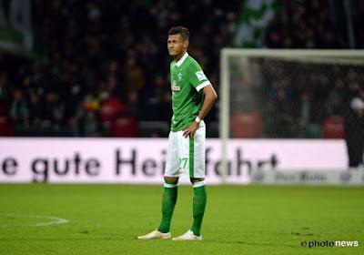 🎥 Stuttgart-speler Fundu vernedert tegenstander helemaal en krijgt daar dan een gele kaart voor
