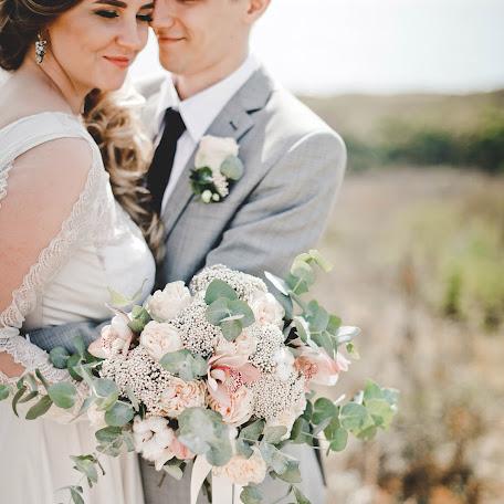 Wedding photographer Irina Slobodskaya (BIS). Photo of 11.01.2018