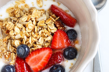 Granola Berry Breakfast Bowl