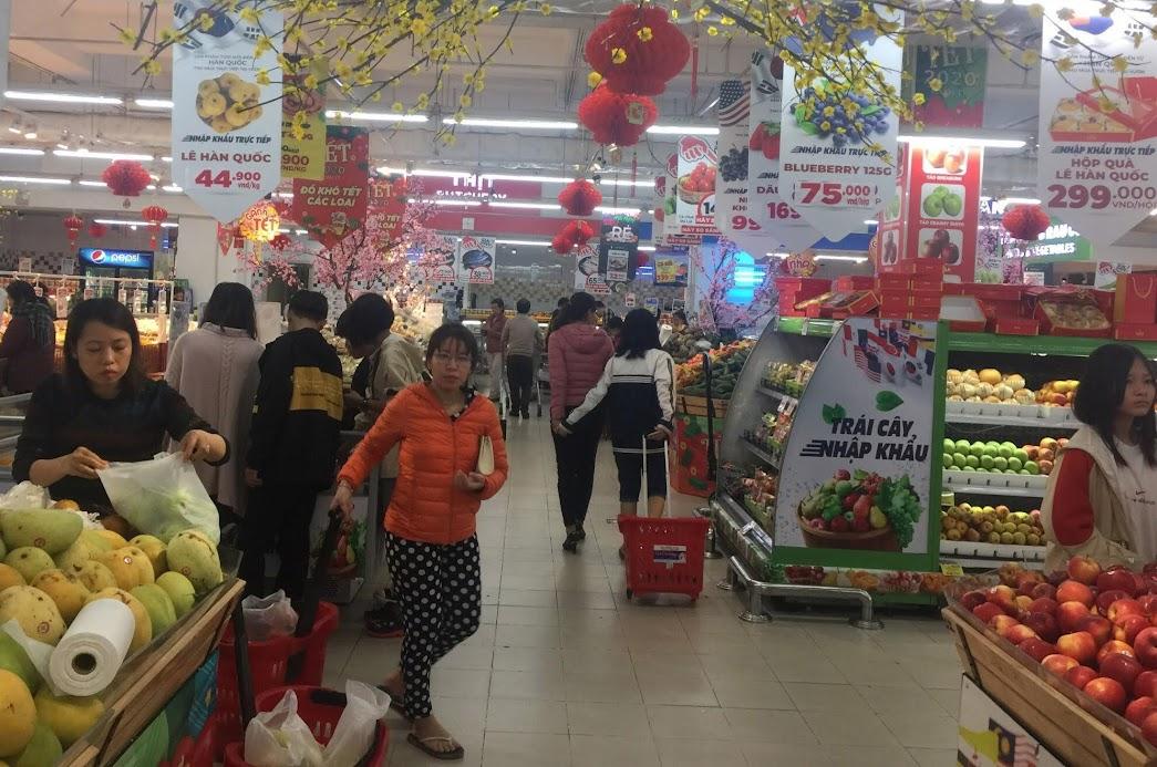 Những ngày giáp Tết, nhu cầu tiêu dùng, mua sắm của người dân tăng cao