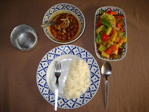 Photo: Gaeng Hanglay Gai (Curry with Chicken Chiang Mai style! [I used textured soy protien]) & Phad Prio Wan Phak (sweet and sour vegies)